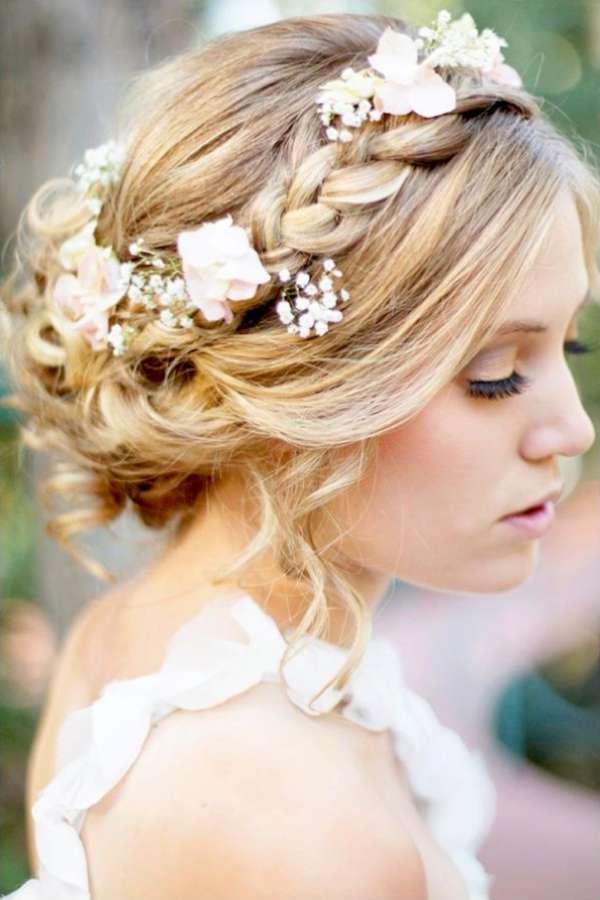 Beach wedding hairstyles fashion and women beach wedding hairstyles junglespirit Gallery
