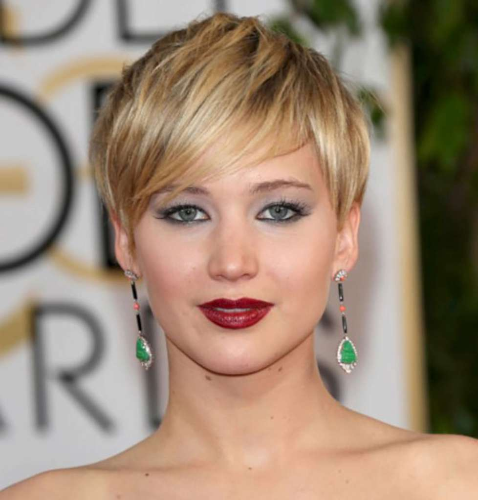 Short Hairstyles For Round Faces - 3