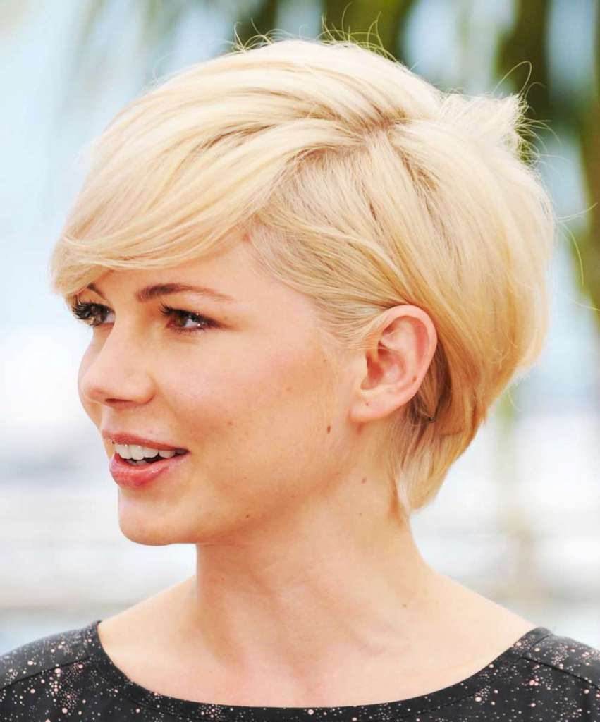 Short Hairstyles For Round Faces - 6
