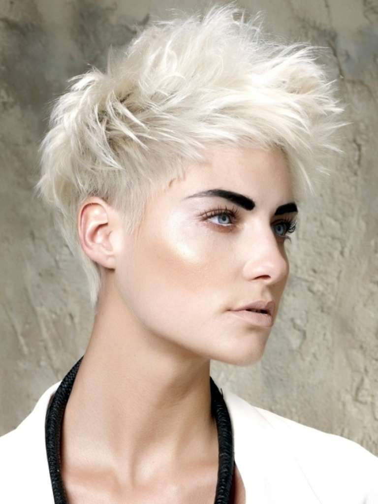 Short Hairstyles For Thin Hair - 8