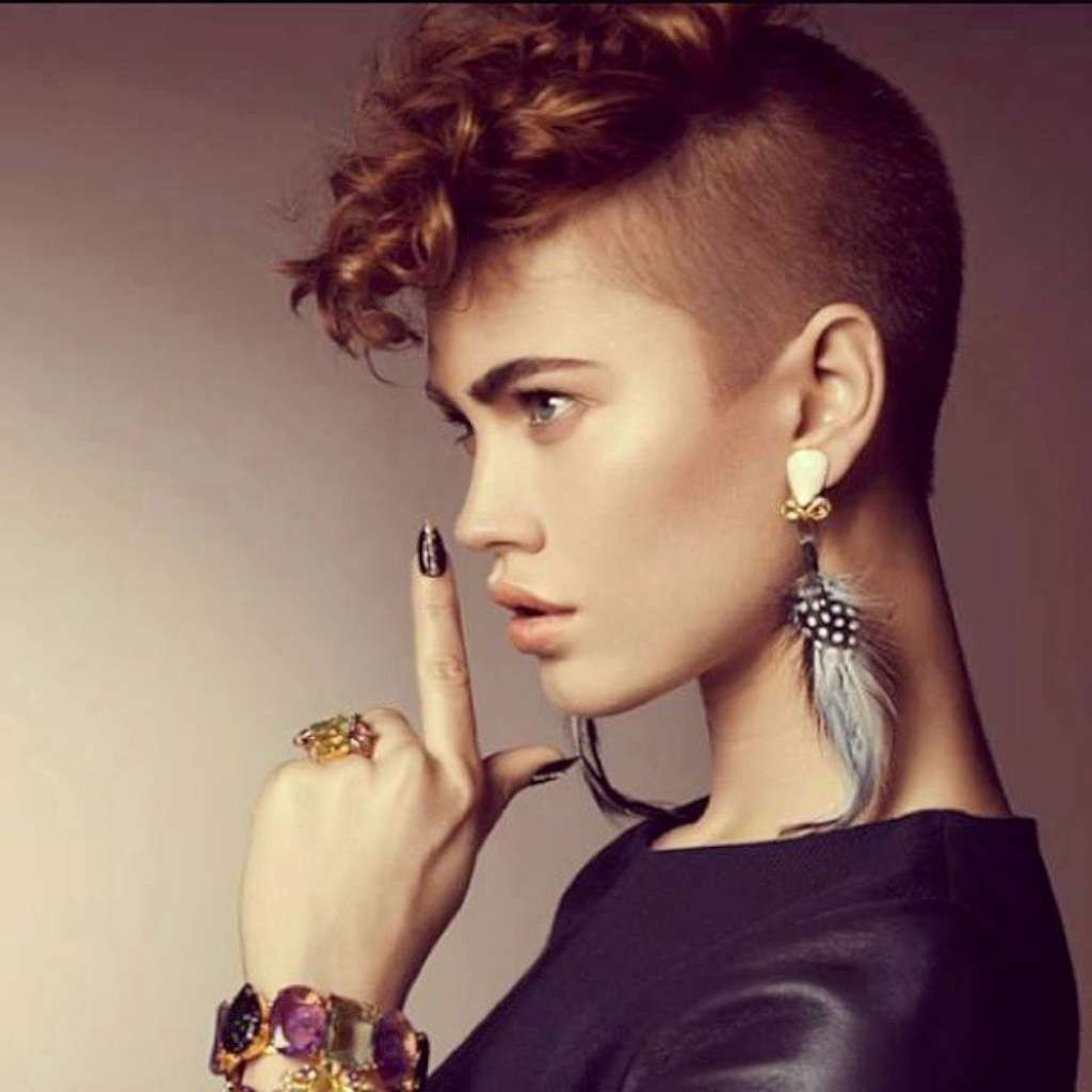 Short Hairstyles For Wavy Hair - 1