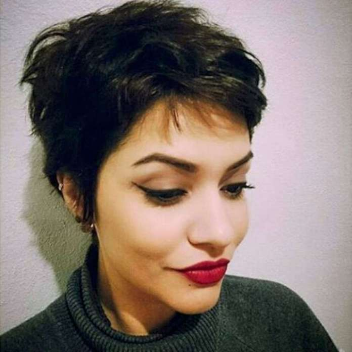 Short Hairstyles For Wavy Hair - 2
