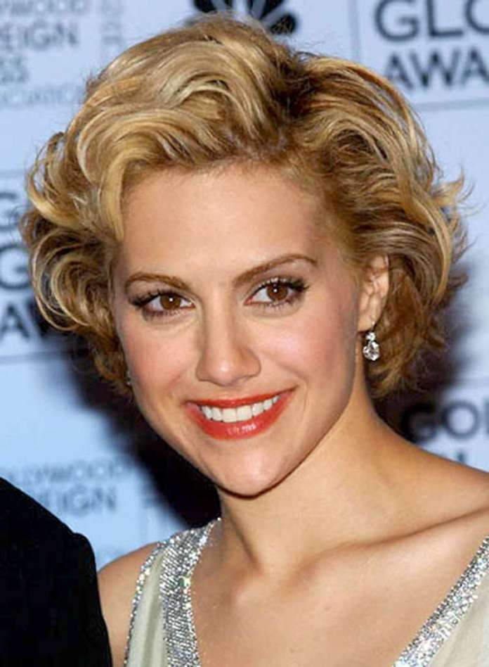 Short Hairstyles For Wavy Hair - 4