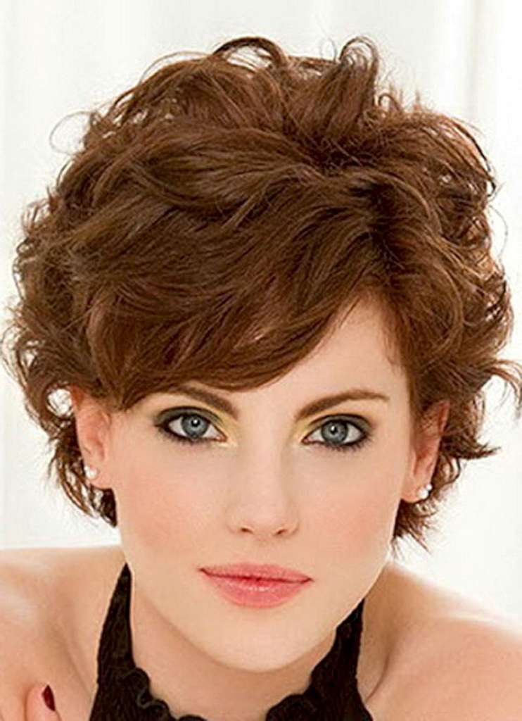 Short Hairstyles For Wavy Hair - 6
