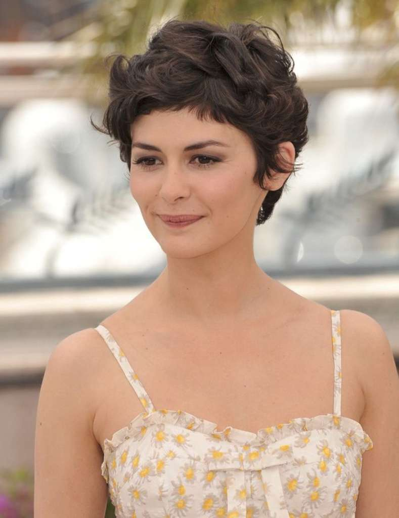 Short Hairstyles For Wavy Hair - 8