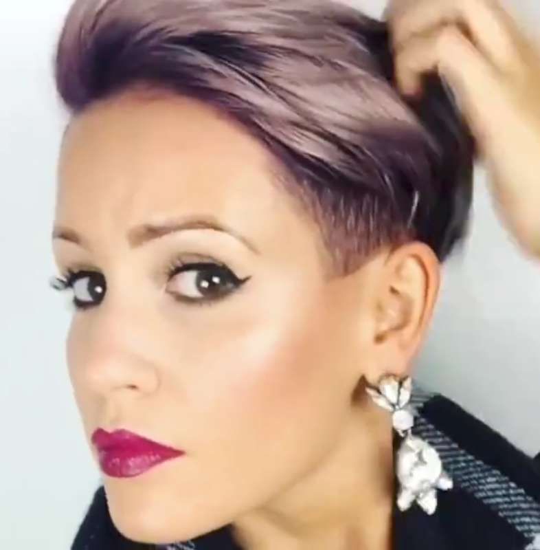 Short Hairstyles For Thick Hair Video - 2