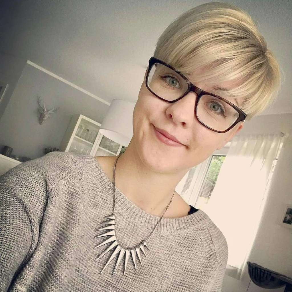 Short Hairstyles Professional - 9