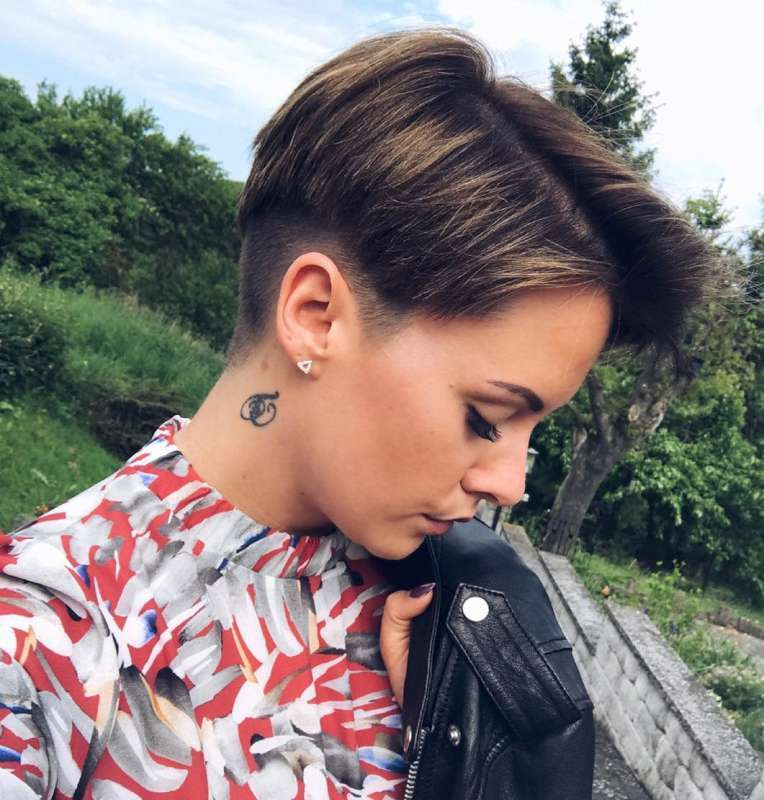 Jess Perry Short Hairstyles - 2