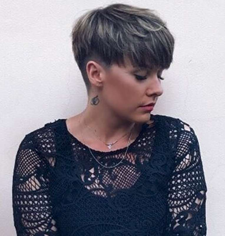 Jess Perry Short Hairstyles - 7
