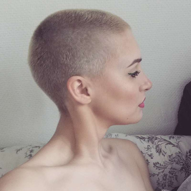 Happy Delphy Short Hairstyles - 12