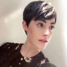 Savoir Faere Short Hairstyles - 7