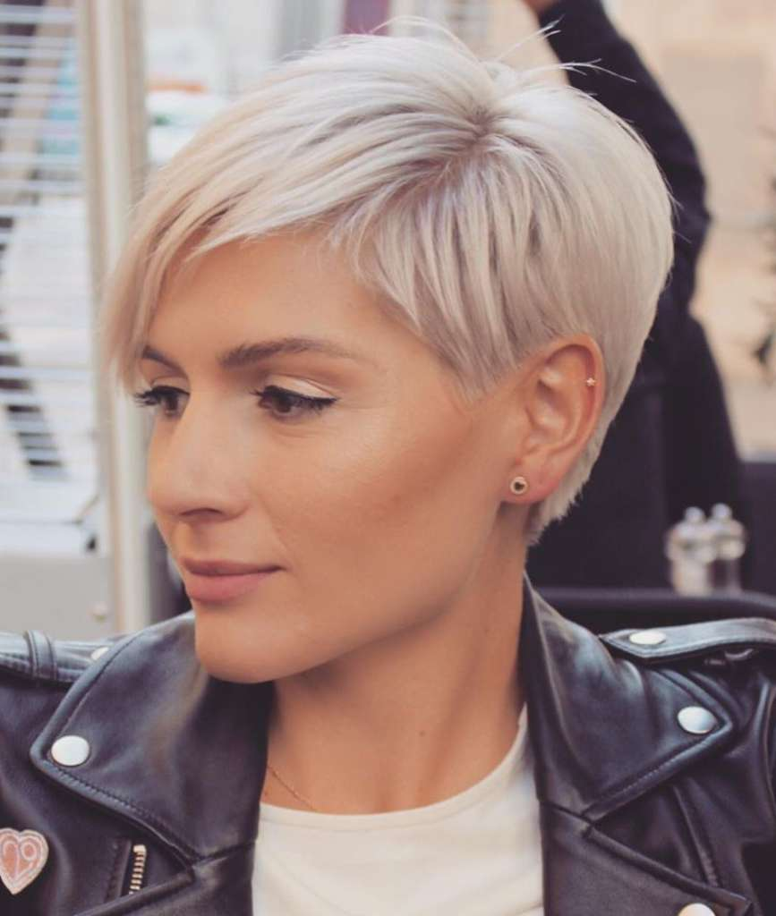 Short Hairstyles Irina Games - 7