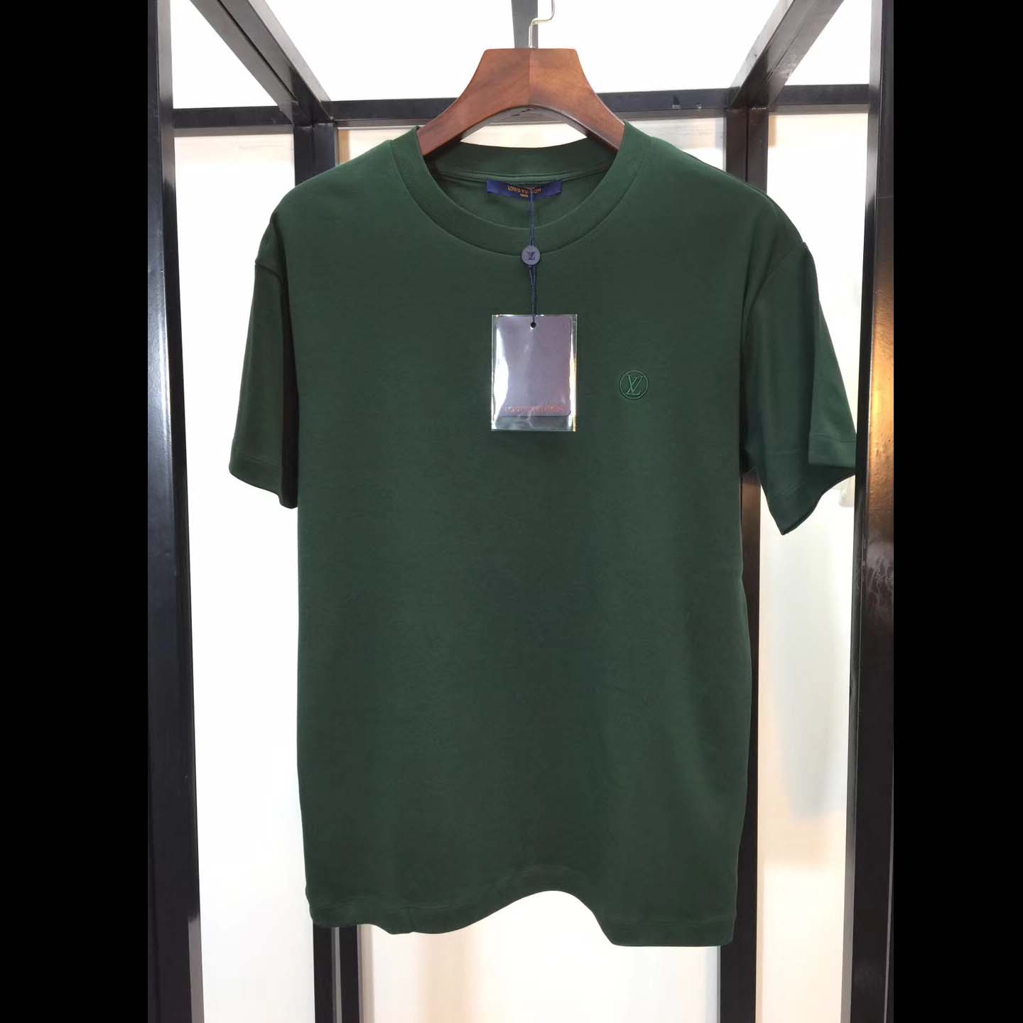Louis Vuitton Small Embroidered Logo T-shirt in Dark Green.T-Shirts & Polos
