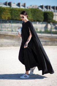 54bc23f90a96e_-_hbz-poncho-5-pfw-ss2015-street-style-day3-17-lg - Copy