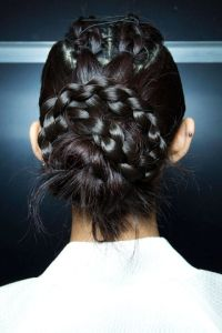 54bc27ef63736_-_hbz-runway-hair-trends-braids-mohapatra-bks-m-rs15-0137-lg
