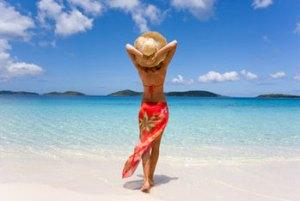 woman-beach-sarong-350-Fotolia_19178088_XS