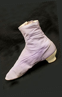 silk-side-lacing-boots-c1865.jpg