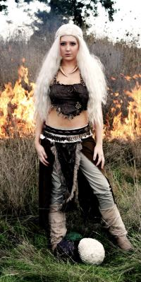 cosplay-daenerys-targaryen-game-of-thrones_2