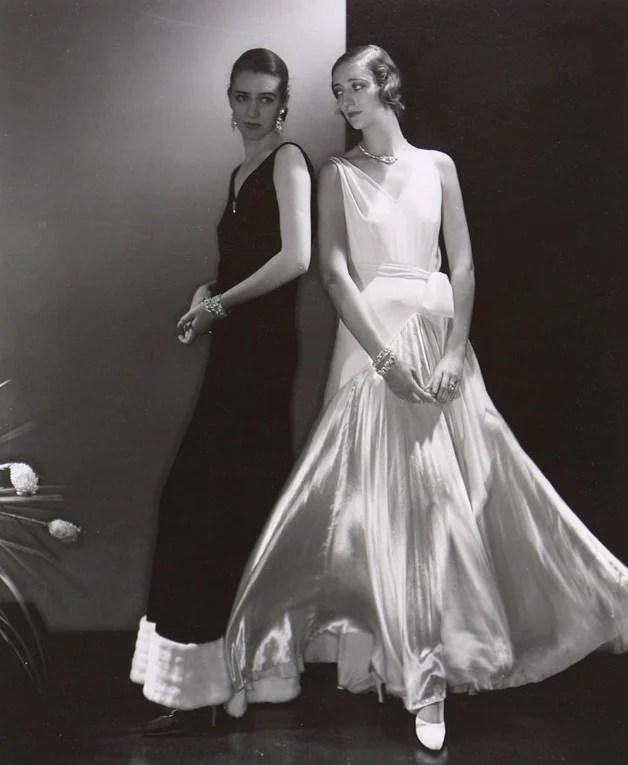 Modelos posando com vestidos de Madeleine Vionnet
