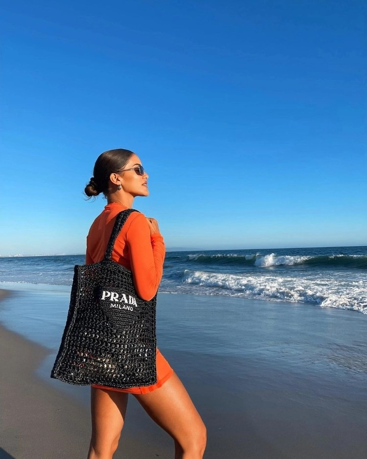 acessórios para usar na praia/ Camila Coelho na praia