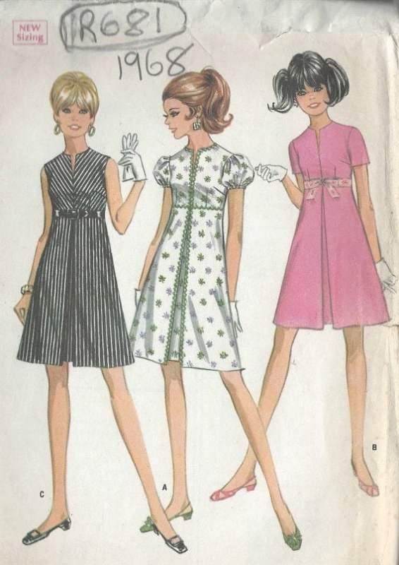 Modelos de vestido de 1968 com a cintura império.