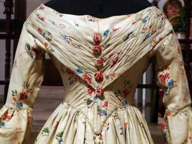 Detalhe de traje vitoriano