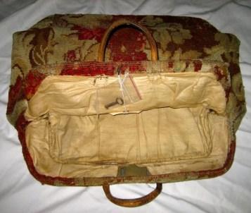 Vtg 1860s VICTORIAN CARPET Bag