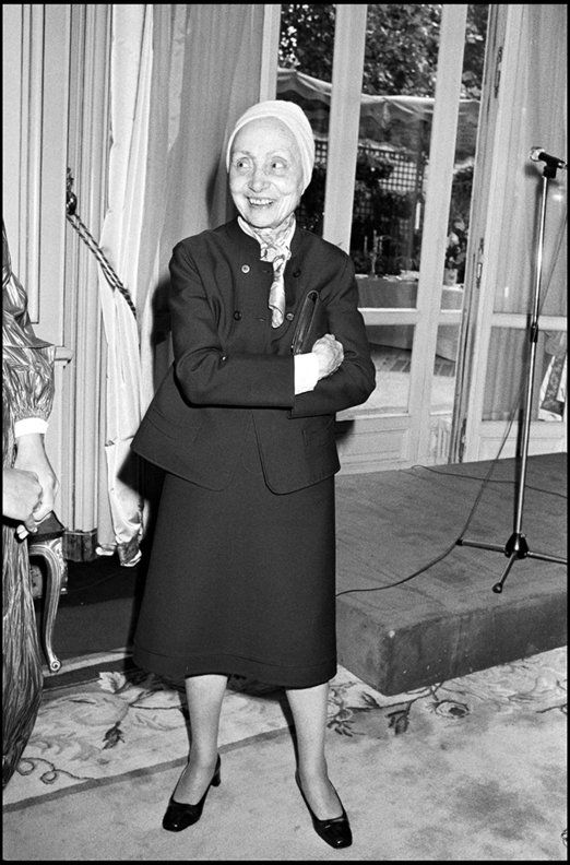 Foto de Madame Grès com seu famoso turbante.