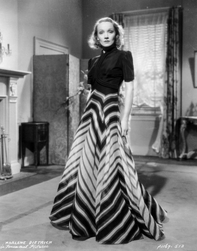 Malene Dietrich com um vestido Vionnet.