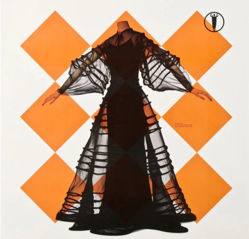 """Fragmento do cartaz da exposição """"Madeleine Vionnet Puriste de la mode""""."""