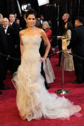 Oscar 2011 Halle Berry
