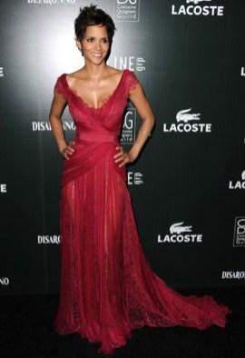 Red-Carpet-Buzz-Halle-Berry_vestido vermelho 2011