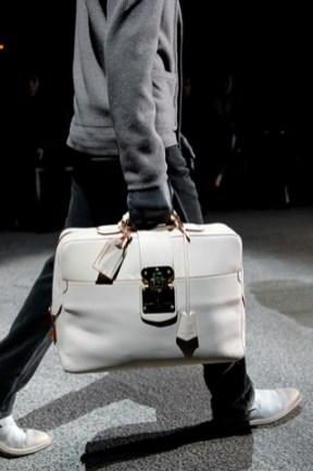 fashionb louis vuitton men bags fall 2011 (16)