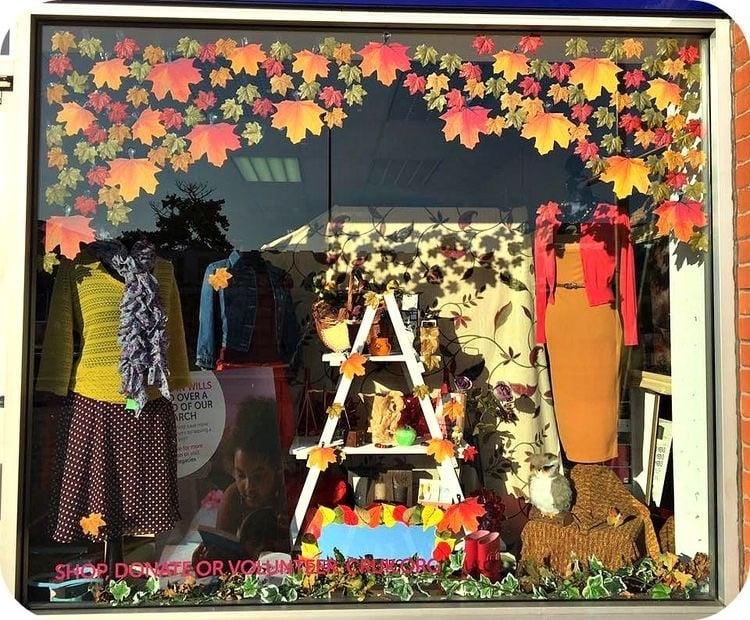Vitrines com as cores do outono