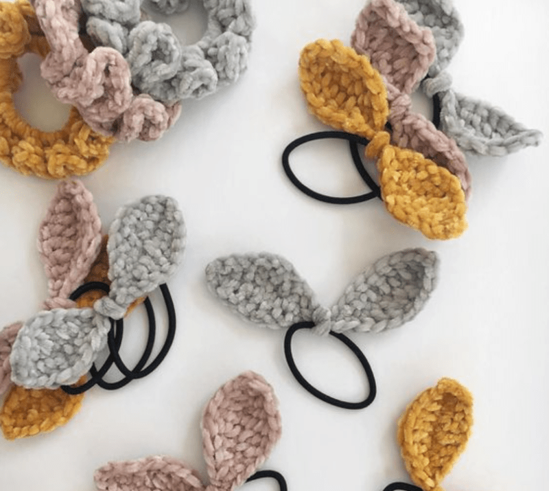 Elástico de cabelo com laço de crochê