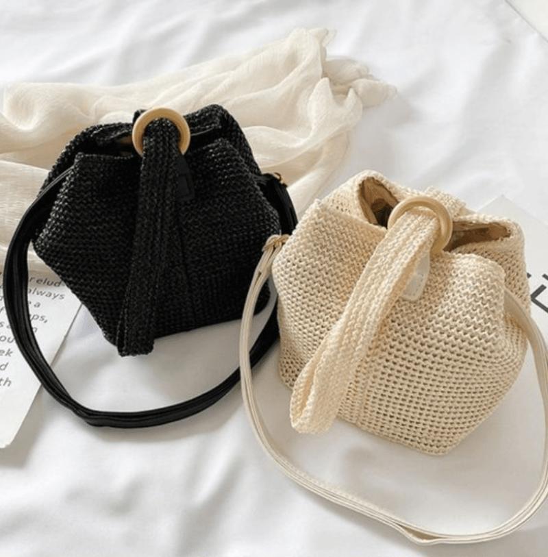 Bolsas bucket com fecho de argola em crochê