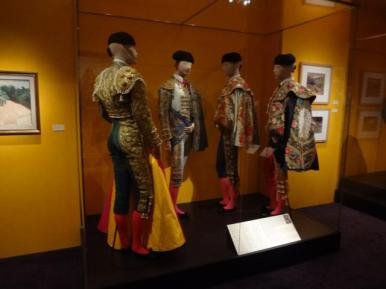 Glory of Spanish Dress (11)
