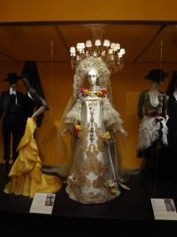 Glory of Spanish Dress (18)