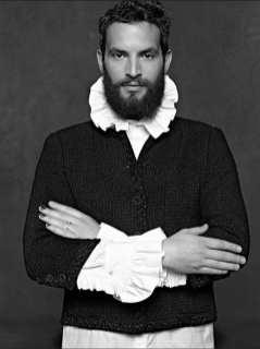 The Little Black Jacket de Chanel revivida por Karl Lagerfeld 22