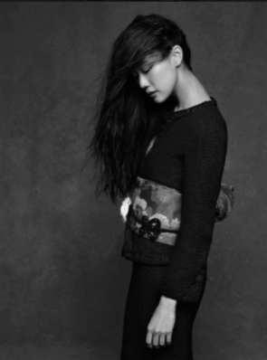 The Little Black Jacket de Chanel revivida por Karl Lagerfeld 6587463552