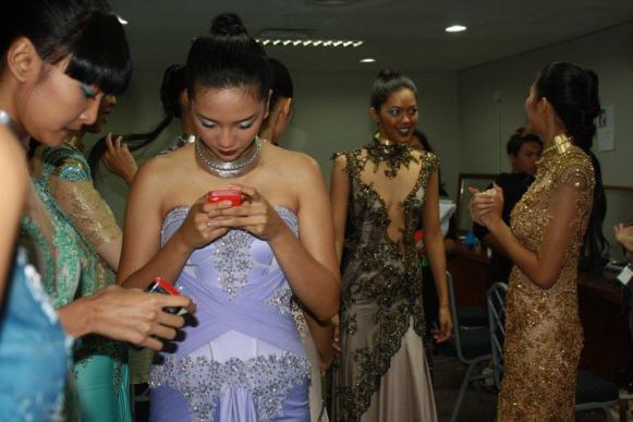 Samuel Cirnansck foi o único brasileiro convidado para desfilar neste ano na Indonésia Fashion Week9