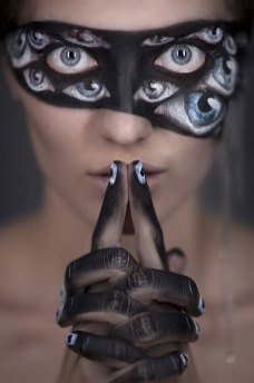 15-Scary-Halloween-Zombie-Eye-Make-Up-Looks-Ideas-For-Girls-2014-2