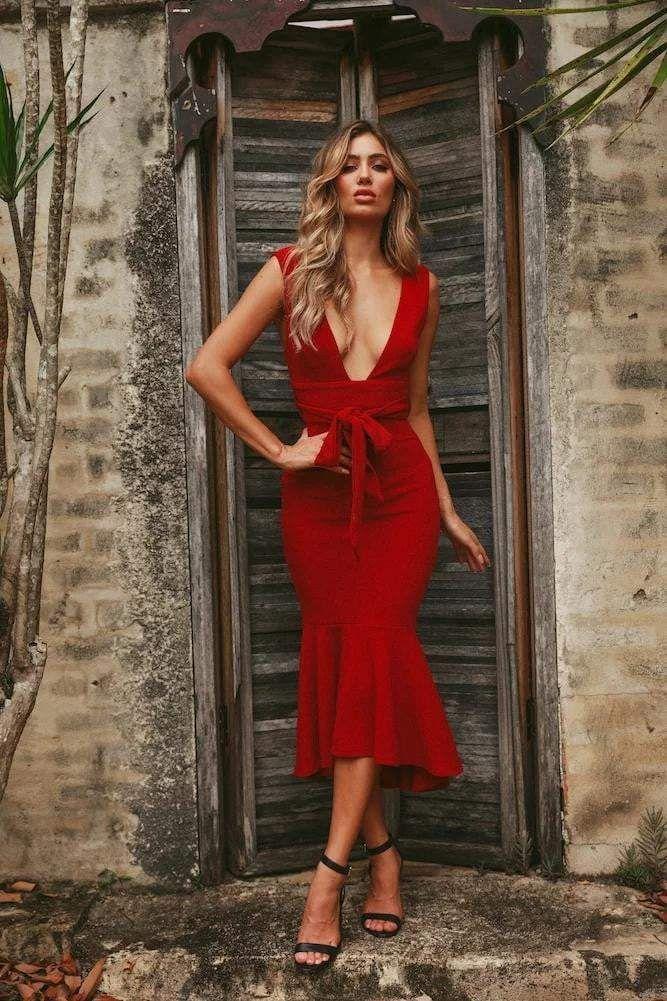 vestido vermelho decotado