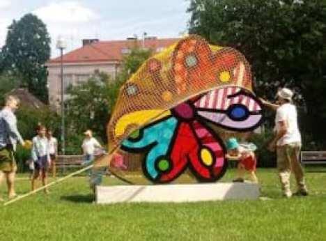 Momento da inauguração - Romero Britto inaugura instalação em Praga