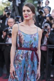 """A embaixadora da marca, Charlotte Casiraghi, vestindo brincos e pulseira na estréia de """"Carol"""" e no Jantar Oficial Kering Cannes"""