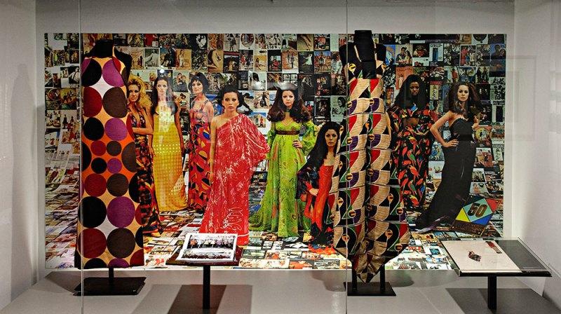 10 vestidos da Coleção Rhodia das décadas 60 e 70 no Farol Santander.