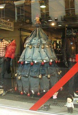 arvore de natal de calça jeans