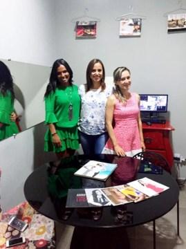 Carol Souza com a equipe da Revista Adoro: Larissa Brito e Ivana Dias