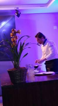 O chef Alessandro segato no evento de lançamento do novo ford Edge 2017