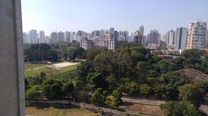 jardins do instituto biológico visto do MAC sP - foto Guilherme Sausanavicius